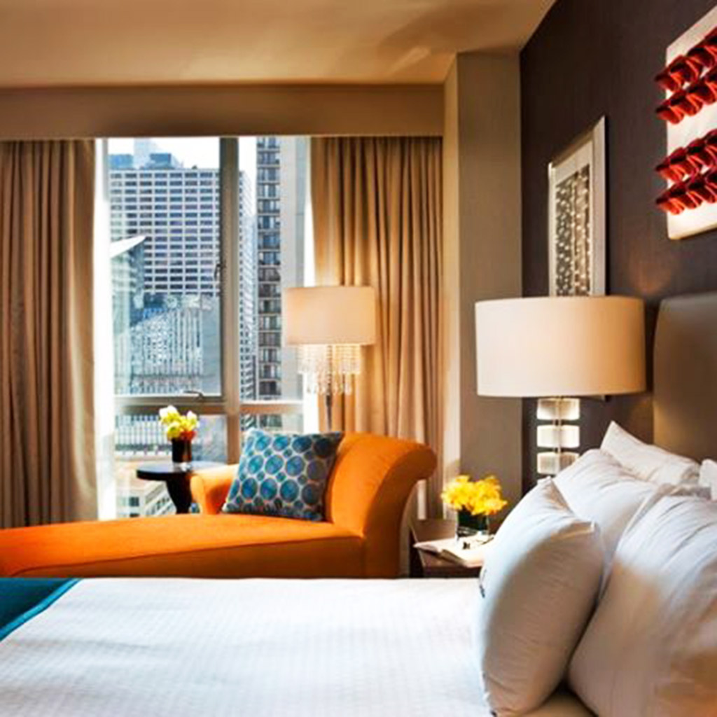 Chicago s best budget hotels travel leisure for Budget hotels in chicago