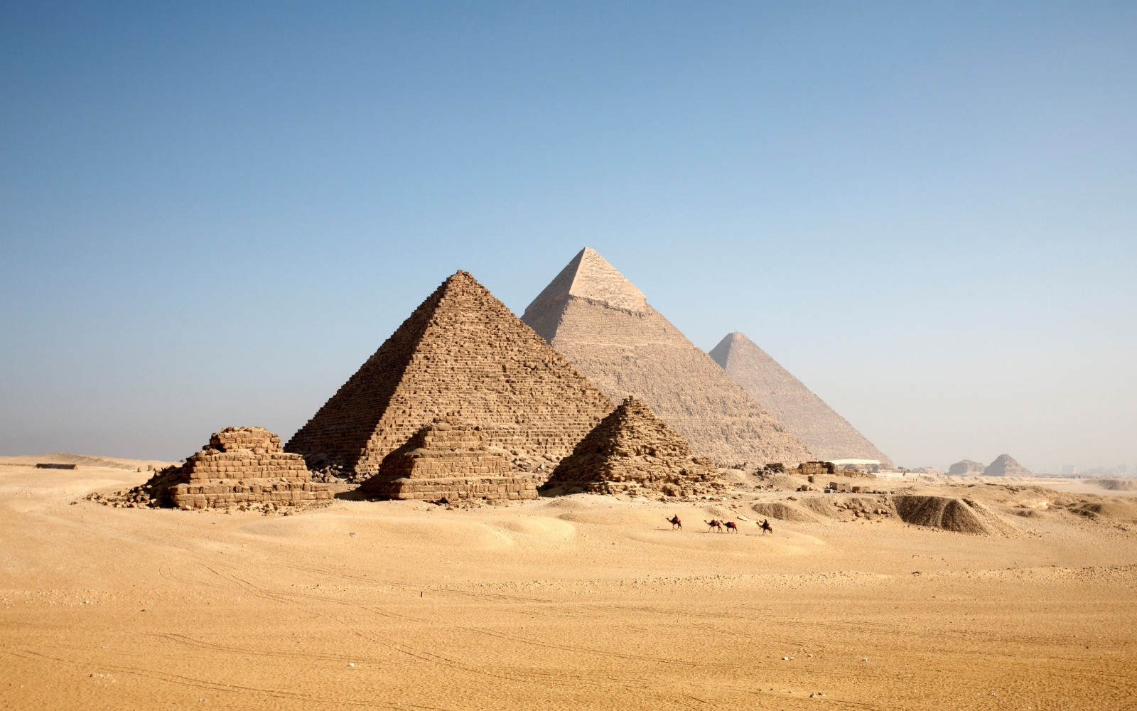 pyramids of giza The great pyramid of egypt may be humanity's greatest achievement it's a  skyscraper of stone built without computers or complex machinery this super- sized.