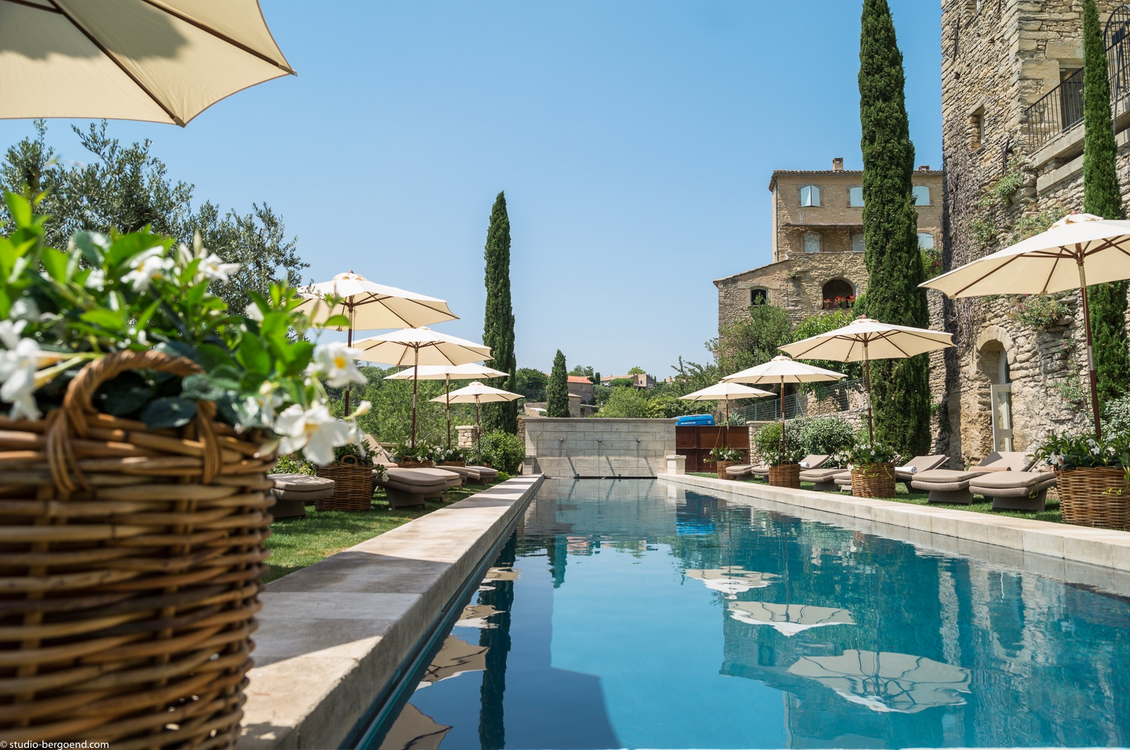 Courtesy of luberon hotel for Hotel design provence