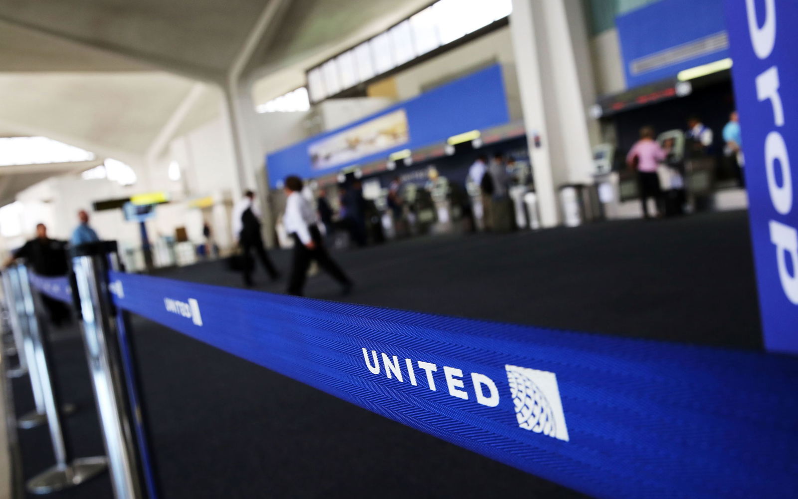 United Airlines Drops Its Rebooking Fee Travel Leisure