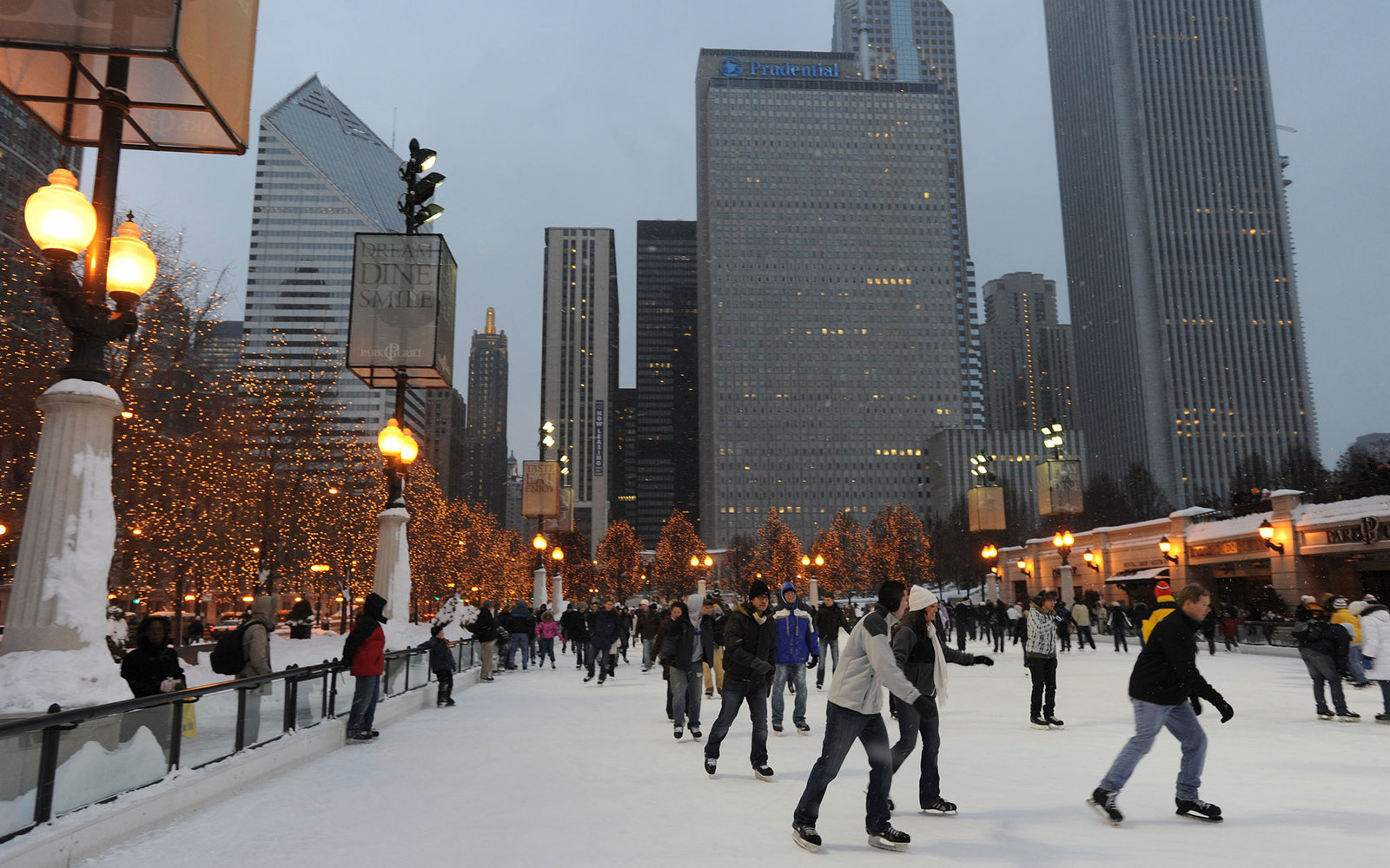 Christmas In Chicago What To Do Travel Leisure