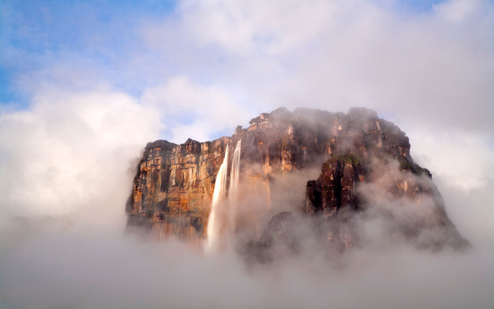 25 Awe-Inspiring Waterfalls to See Before You Die