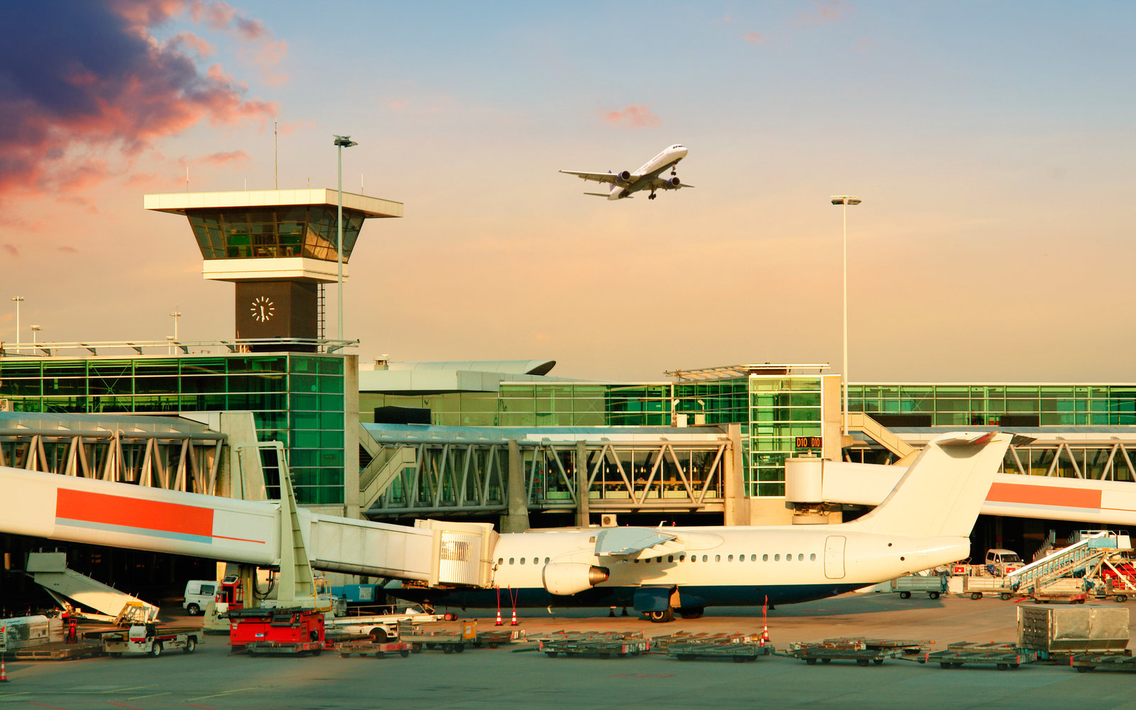 No. 10: Amsterdam Airport Schiphol (AMS)
