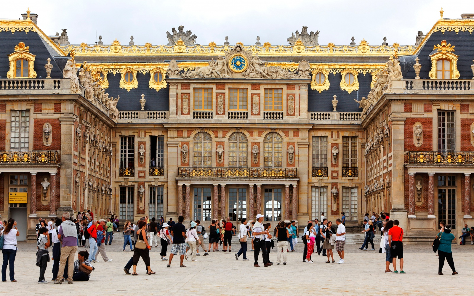 No 43 palace of versailles france world s most visited for Garage versailles 44