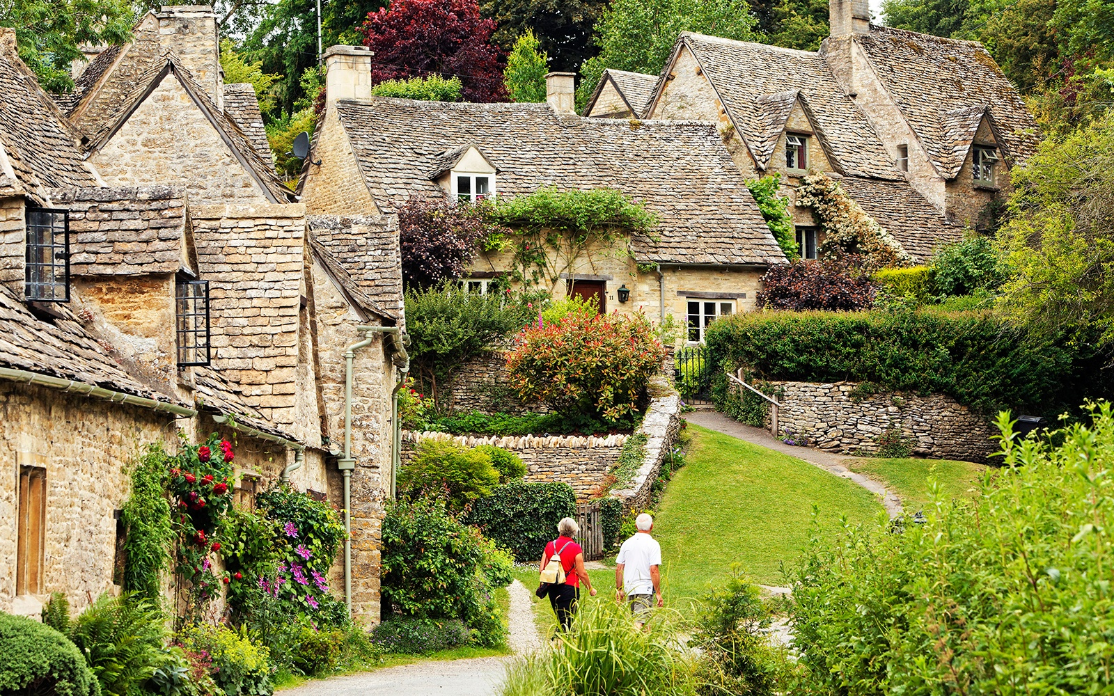 Bibury, England - 22 Postcard-Perfect European Villages ...