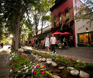 America 39 s favorite towns 2013 travel leisure for Affordable small towns in colorado