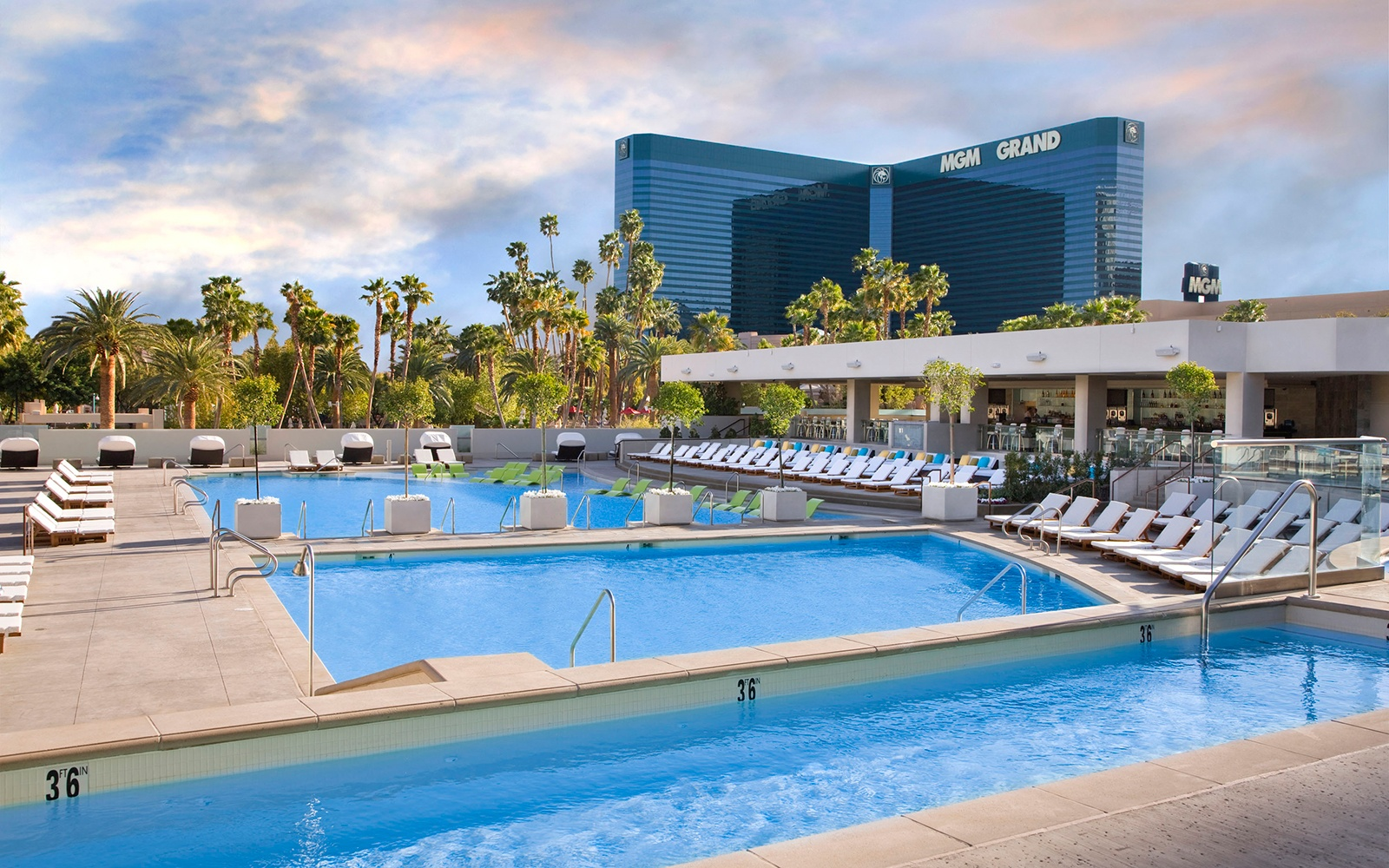 Wet Republic Mgm Grand Vegas 39 Best Pools From Dayclubs To Djs Travel Leisure