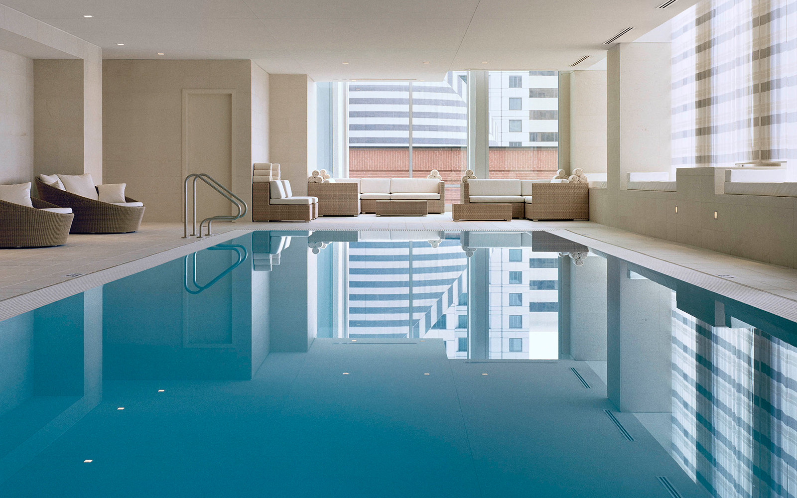 The St. Regis San Francisco pool