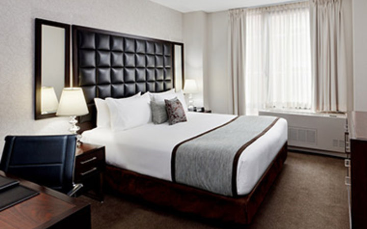 Most comfortable hotel beds travel leisure for Comfy hotels resorts
