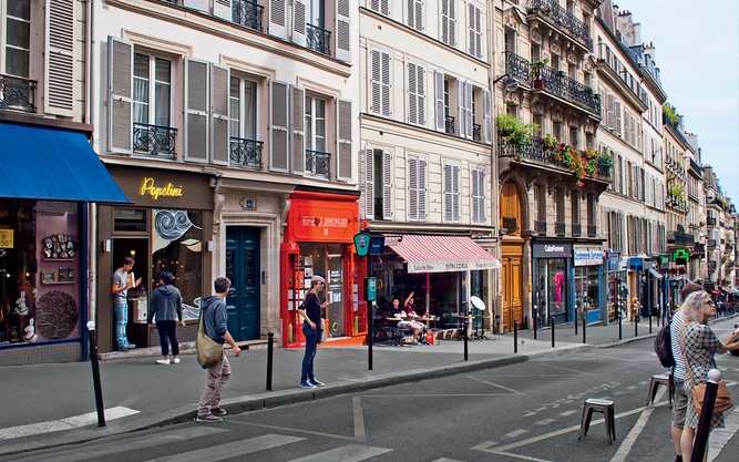Paris travel guide travel leisure for Miroir rue des martyrs
