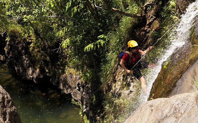 Rappel Down Waterfalls in Maui