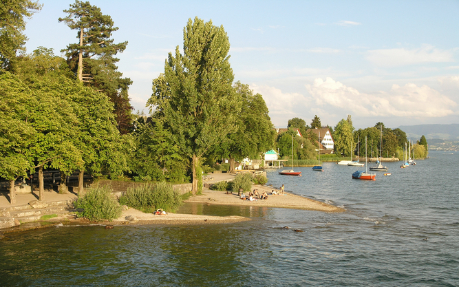 Kusnacht Lake in Zurich