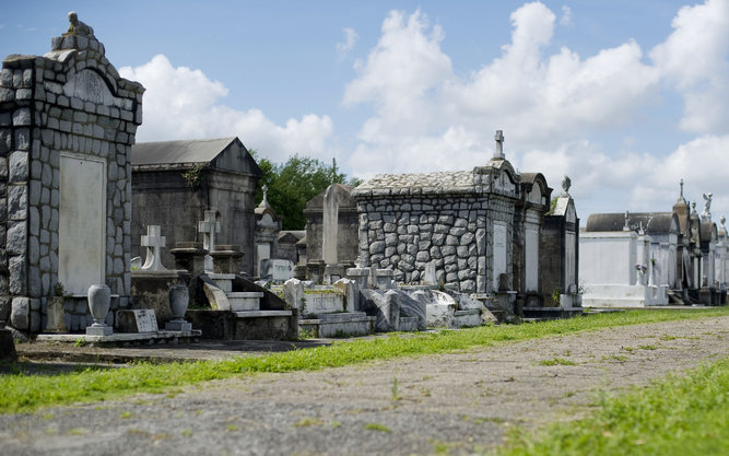 Lafayette Cemetery Tours in New Orleans