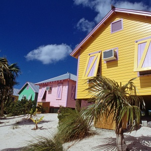 Best places to rent vacation homes in the bahamas travel for Beach houses for rent in bahamas