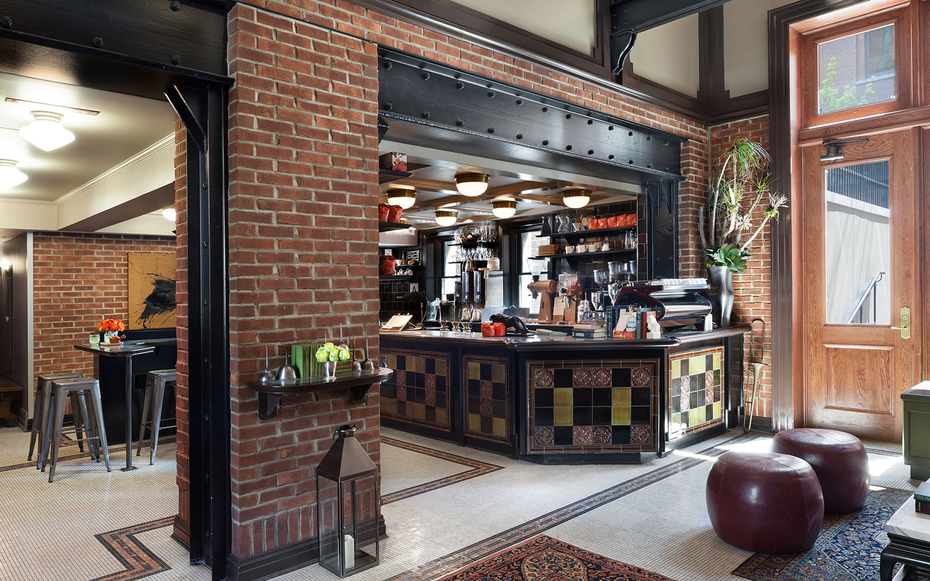 The t l guide to west chelsea new york travel leisure for Bar americano nyc