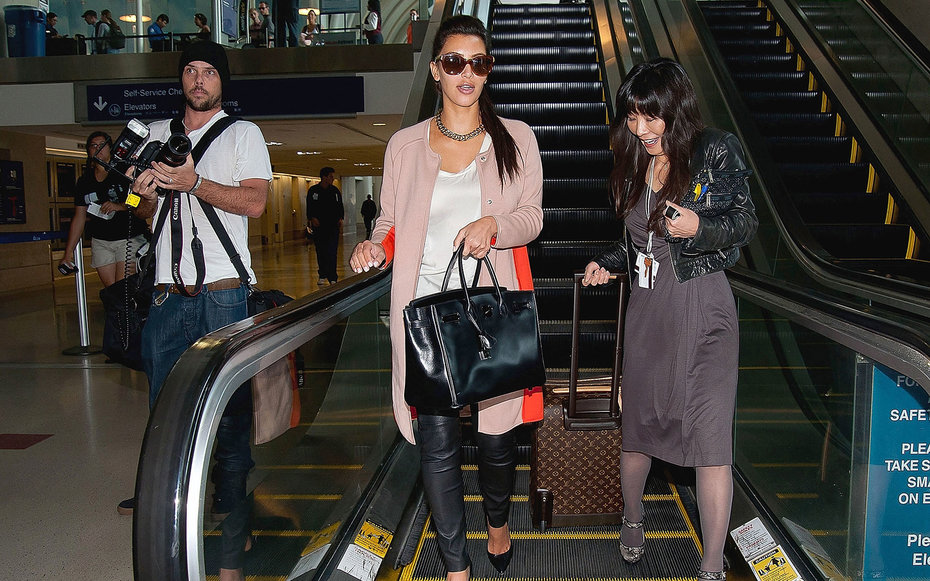 LOS ANGELES, CA - APRIL 22:  Kim Kardashian is seen at Los Angeles International Airport on April 22, 2012 in Los Angeles, California.  (Photo by GVK/Bauer-Griffin/GC Images)