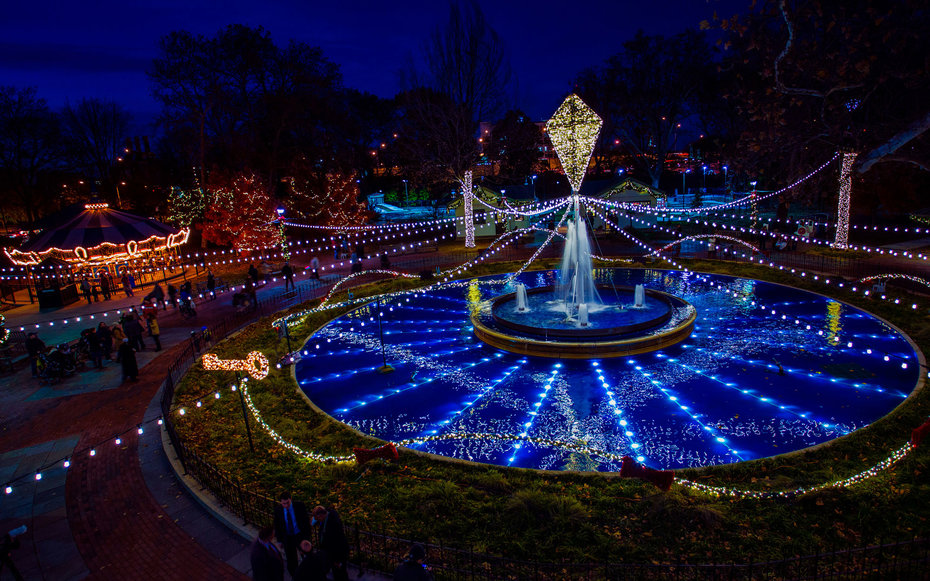 Franklin Square Philadelphia Electrical Spectacle Light Show