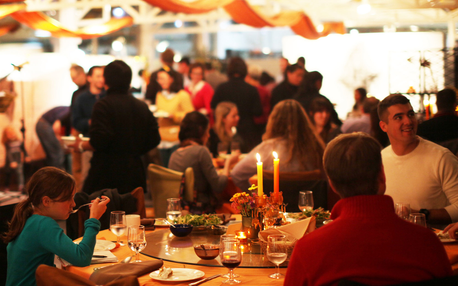 Where to eat thanksgiving around the world travel leisure for What restaurants are serving thanksgiving dinner