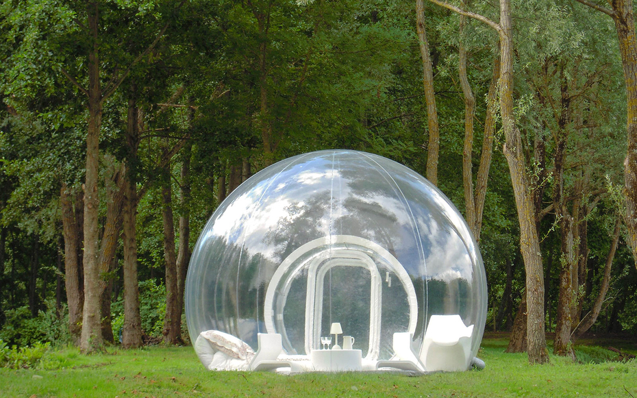 bubble shaped room at Bubble Tree hotel, France