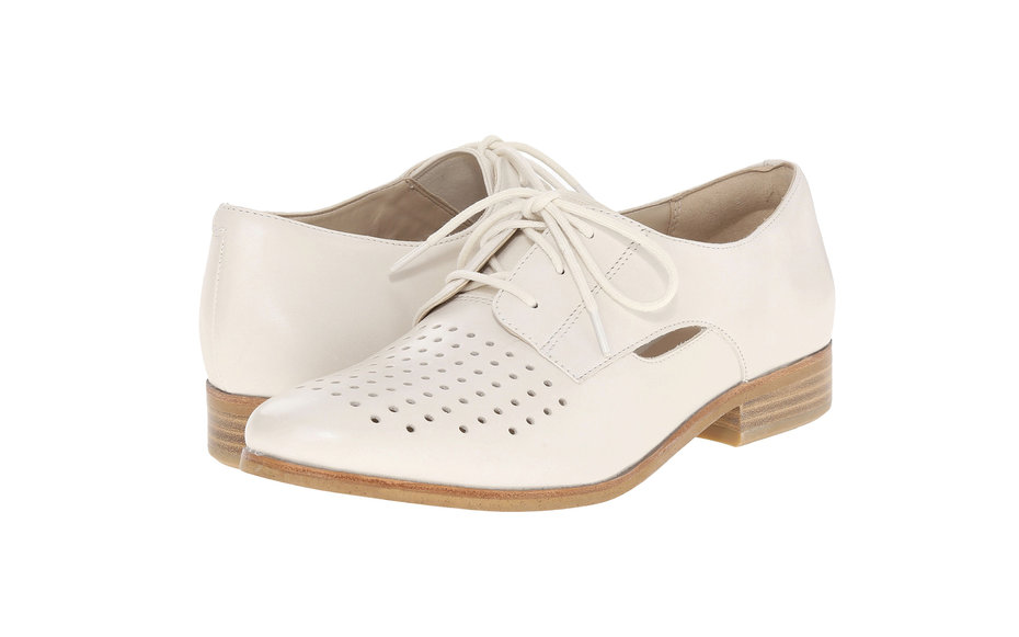 Clarksl comfortable womens shoe