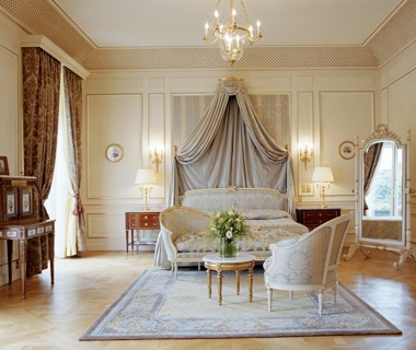 No 6 h tel le meurice best hotels in paris travel for Top design hotels in paris