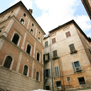 Rome Neighborhood Walk: Historic Ponte, Parione, and Regola