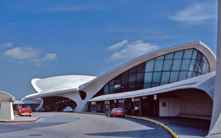 Jetblue hotel twa terminal travel leisure for Jfk airport hotel inside terminal