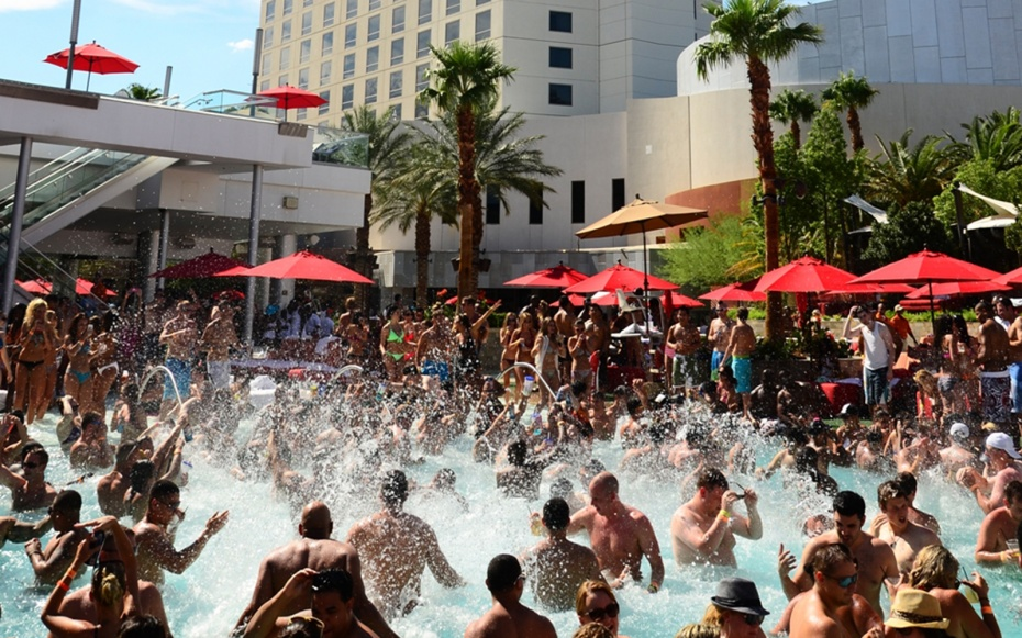 Palms Casino Resort Pool Vegas 39 Best Pools From Dayclubs To Djs Travel Leisure