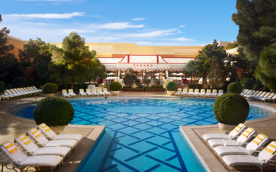 Wynn las vegas resort pool vegas 39 best pools from for Pool show las vegas november