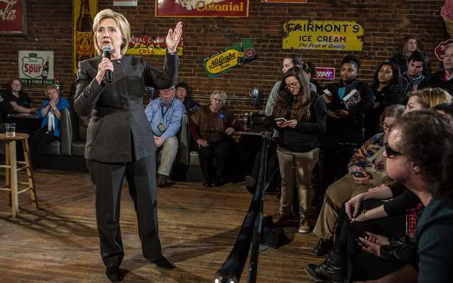 OSKALOOSA, IA - JANUARY 25: Democratic presidential candidate Hillary Clinton speaks at a campaign event at Smokey Row coffee shop on January 25, 2016 in Oskaloosa, Iowa. The Democratic and Republican Iowa Caucuses, the first step in nominating a presiden