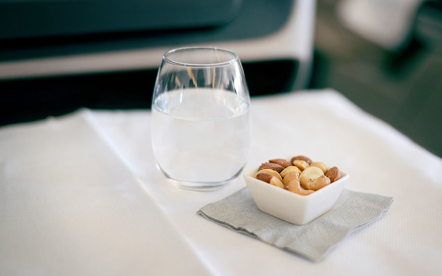 Images of in-flight meal and beverages served on Business Class
