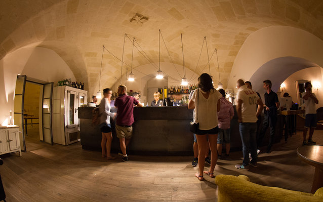 The Hottest Bar in Italy: Area 8