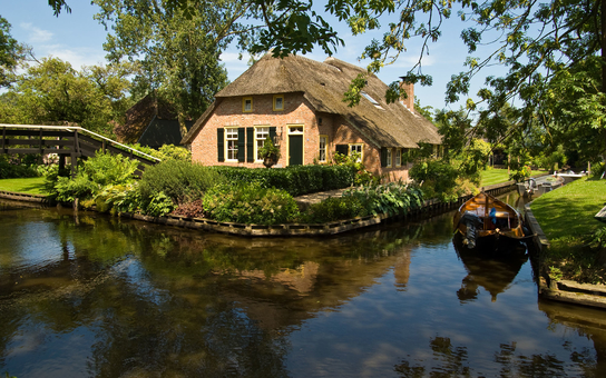 holland waterway town