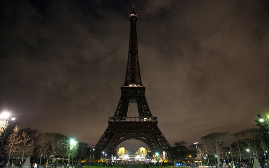 Eiffel Tower Closes